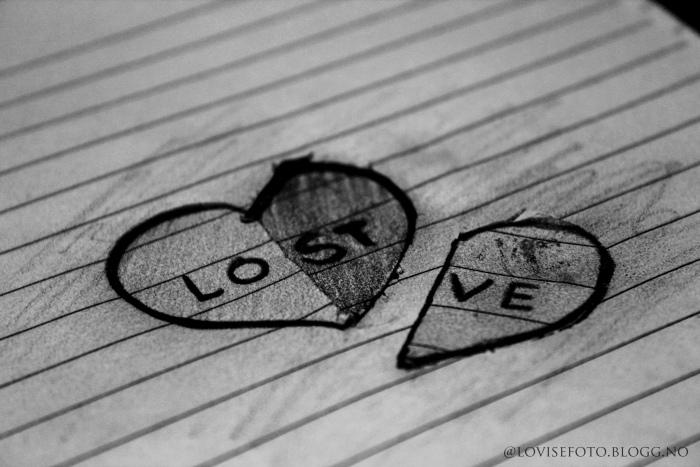 black-and-white-draw-heart-lost-love-Favim.com-284820